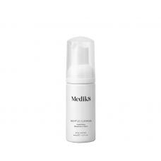 Очищаюча пінка для всіх типів шкіри - Medik8 Gentle cleanse